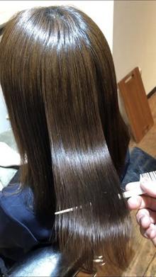縮毛矯正してもコテやヘアアレンジなどのスタイリングは可能?