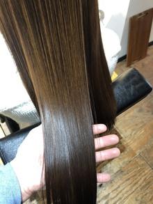 髪質改善トリートメントが4種類の高濃度美容液配合でグレードアップ